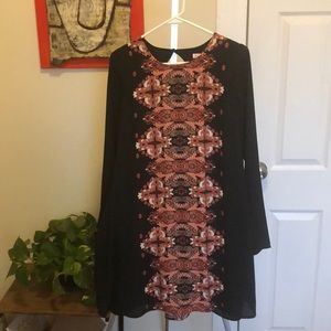 Black patterned tunic dress